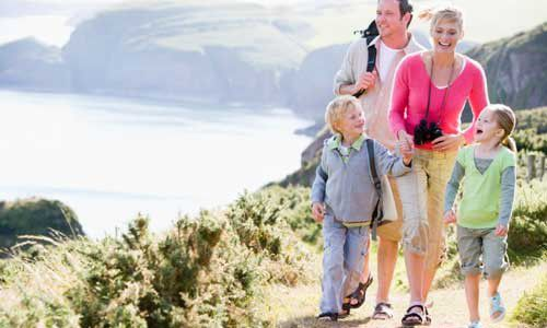 happy-family-hiking-on-vacation