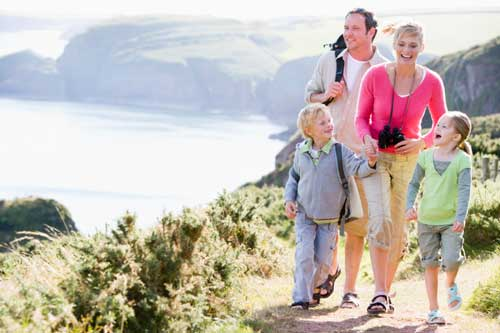 happy-family-hiking-on-vacation